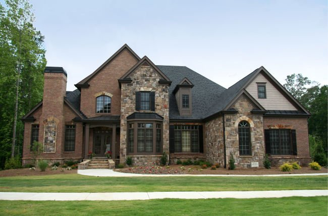 A beautiful home with roof repair work in Louisville.