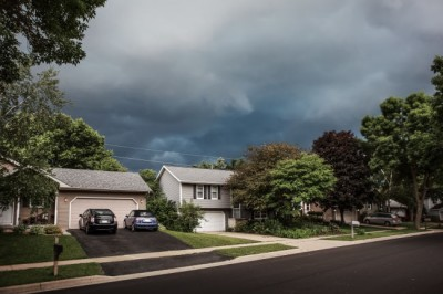Storms moving into the Louisville, KY area.