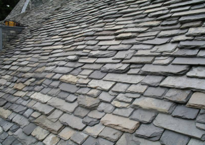There are numerous benefits to installing a real slate roof on your Louisville, KY home.